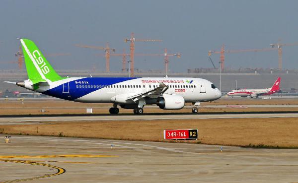 ——中国具有自主知识产权的大型喷气式民用飞机    根据中国商飞